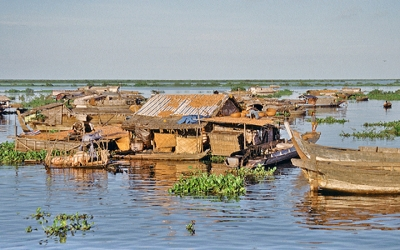 Fishing village Tonlesap